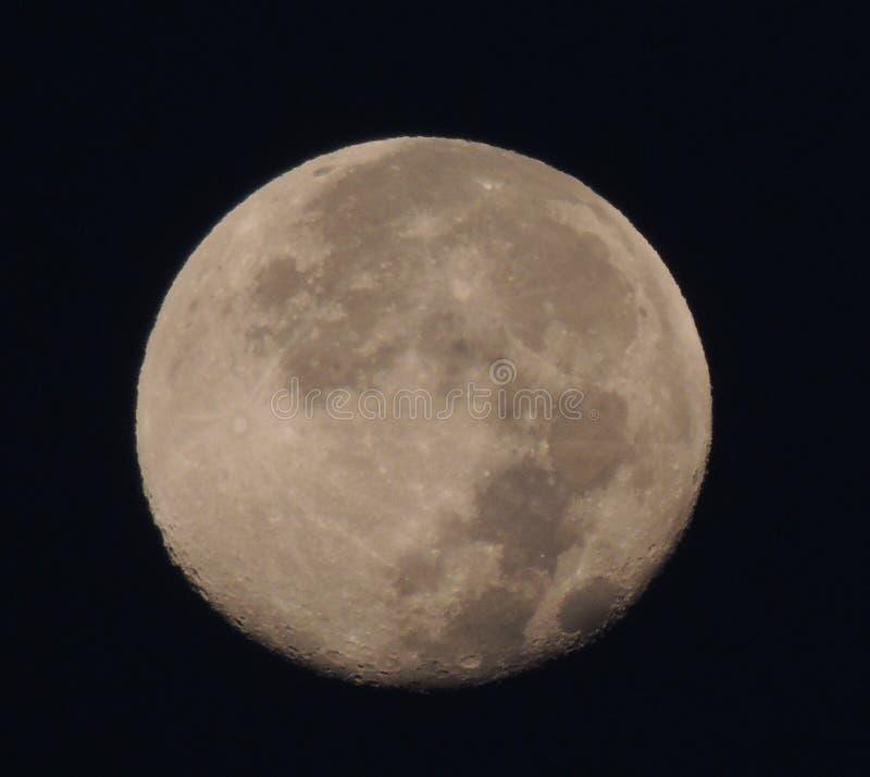 Luna sobre el océano fotos de archivo