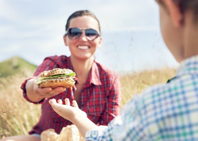 Lunch för bergsbestigare royaltyfri fotografi
