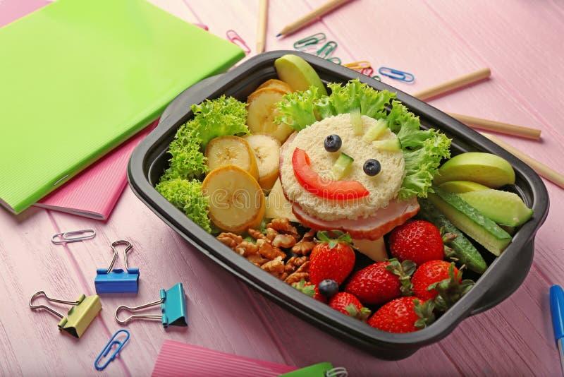 Lunchbox z gościem restauracji i materiały zdjęcie royalty free