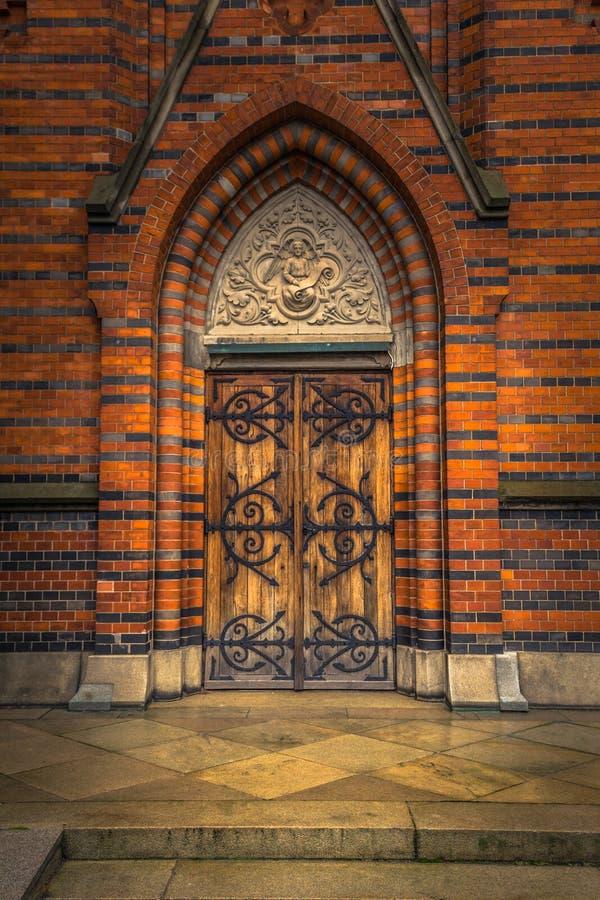 Lund - 21. Oktober 2017: Tür zur aller Heilig-Kirche in Lund, Schweden stockfoto