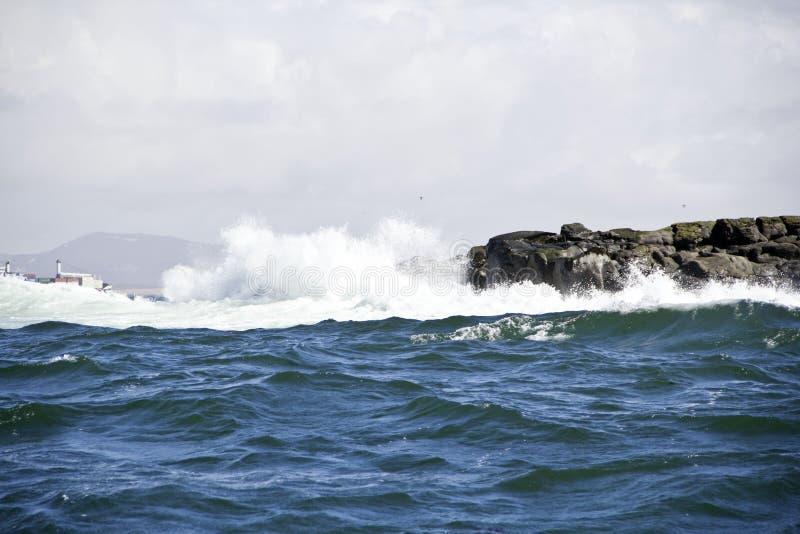 Lundey-Insel-Welle lizenzfreies stockbild