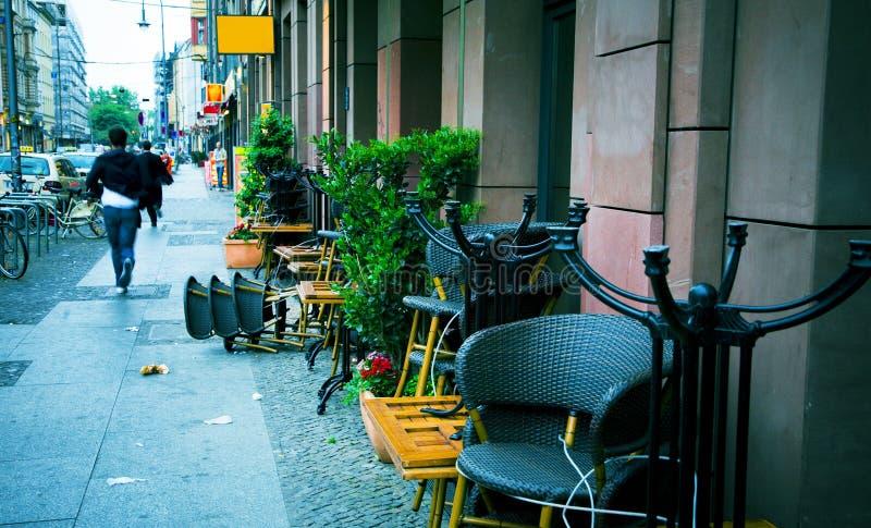 Lundi rue de matin photo libre de droits