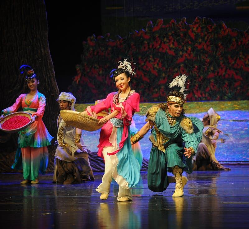 Lune de ballet d'houblon-Hui de hanche au-dessus de Helan photographie stock libre de droits