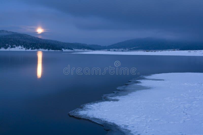 Lune de l'hiver photo libre de droits