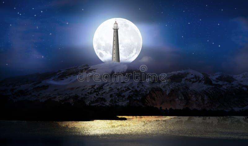 Lune et phare sur la montagne photo libre de droits