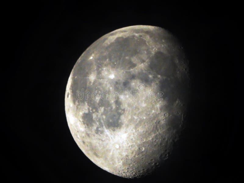 Lune gibbbeuse de affaiblissement détail de 88 pour cent photographie stock