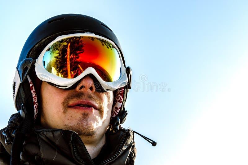 Lunettes et surfeur jaunes de ski image libre de droits