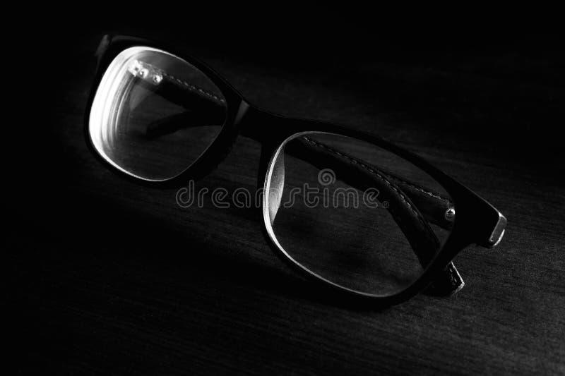 Lunettes noires et blanches images stock