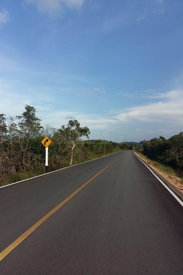 Lunga strada in Tailandia fotografia stock
