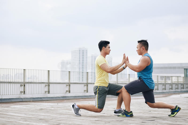 lunges photos stock