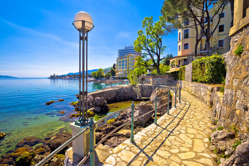 Lungomare海岸著名走道在奥帕蒂亚 免版税库存图片