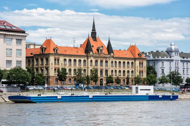 Lungomare del Danubio a Bratislava, bello architec fotografia stock libera da diritti