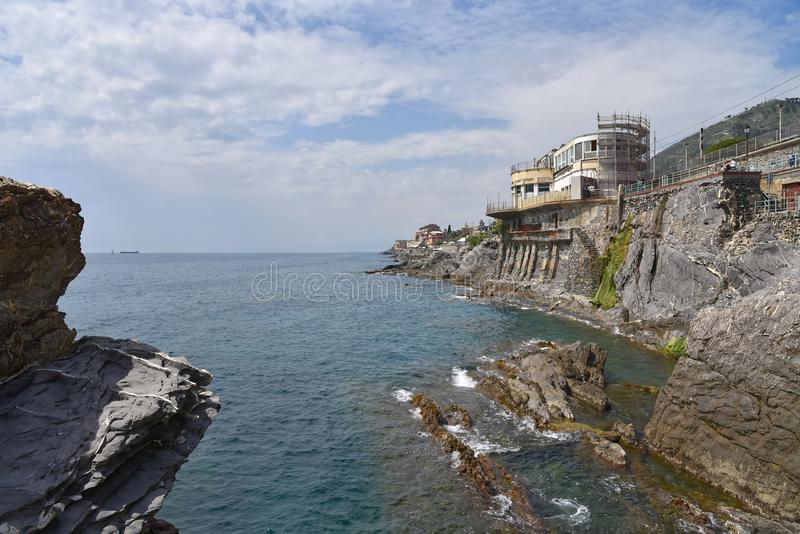 Lungomare di Genoa Nervi - passeggiata e linea costiera - l'Italia marina ligura fotografia stock