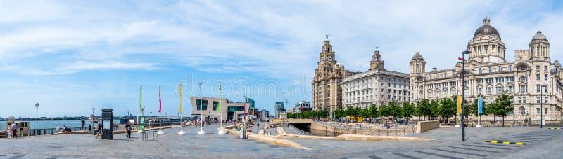 Lungomare di Liverpool e Pier Head fotografia stock