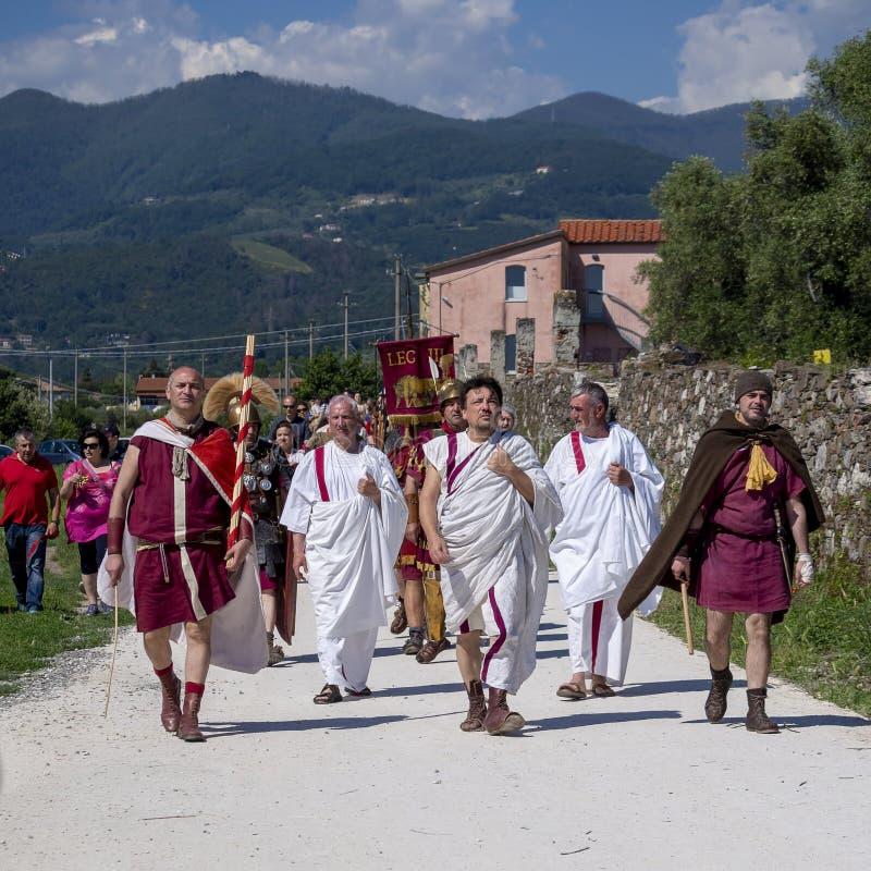 LUNI, MASSA †de CARRARE, ITALIE «LE 2 JUIN 2019 : Événement de la Communauté, reconstitution antique de Rome près de Portus Lu photos stock