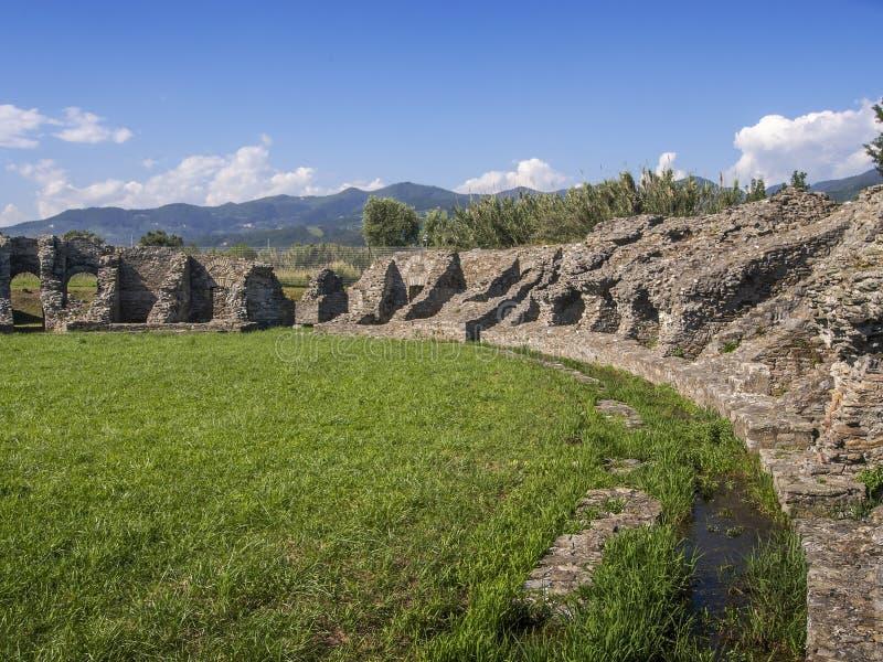 LUNI, MASSA CARRARE, ITALIE LE 2 JUIN 2019 : Restes archéologiques des périodes romaines antiques chez Luni Aka Portus Lunae E photo stock