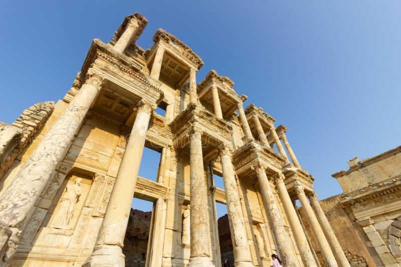Luoghi pubblici una biblioteca di ephesus del patrimonio mondiale nella città storica della Turchia fotografie stock libere da diritti