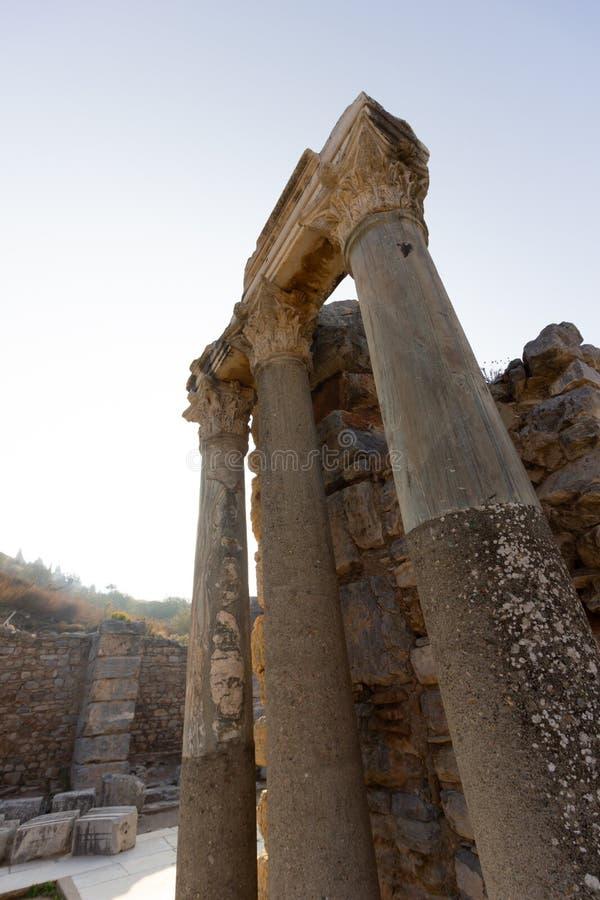 Luoghi pubblici una biblioteca di ephesus del patrimonio mondiale nella città storica della Turchia immagini stock libere da diritti