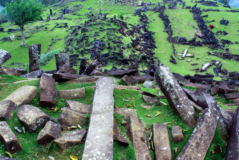 Luogo del Megalith di Gunung Padang fotografia stock