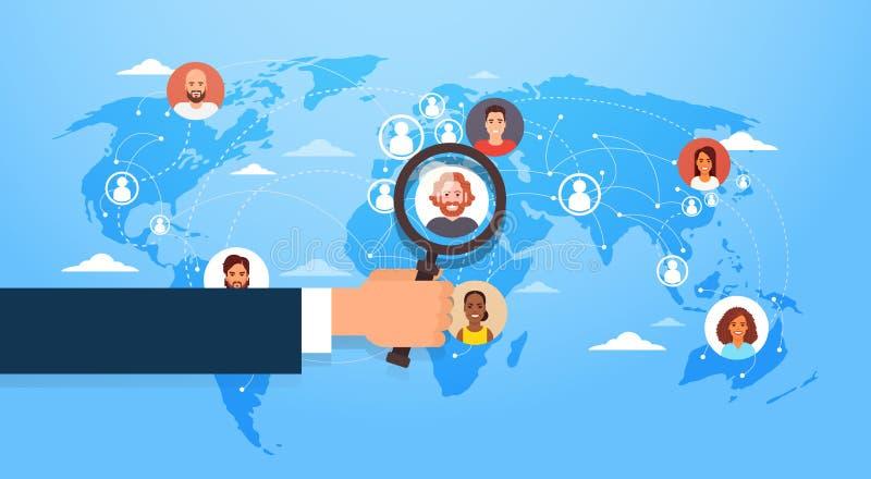 A lupa da posse da mão escolhe o candidato Job Position Business People contratar sobre o mapa do mundo ilustração do vetor