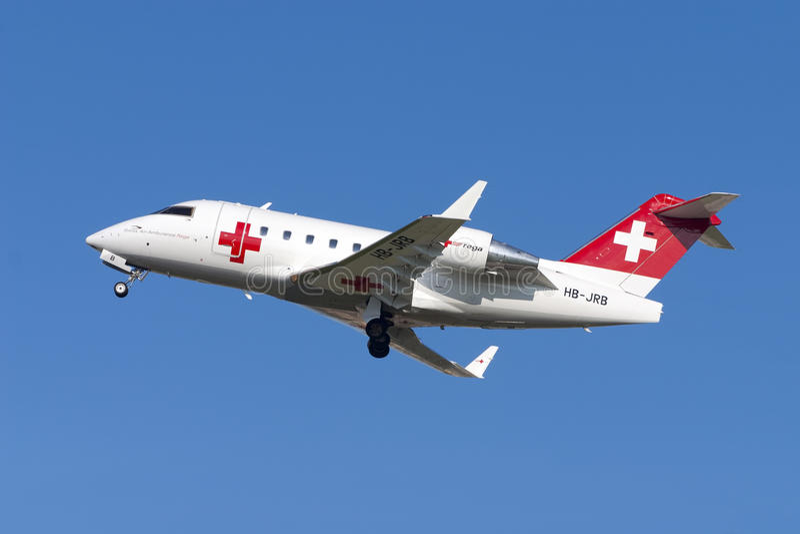 Luqa,马耳他2005年11月9日:救护机挑战者 免版税库存照片