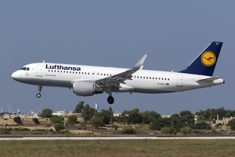 Luqa,马耳他, 2015年7月19日:汉莎航空公司A320 库存图片