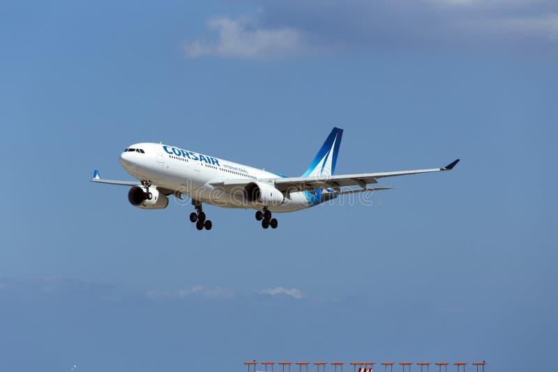 Luqa, Мальта - 10-ое сентября 2015: Корсар A330 стоковые изображения