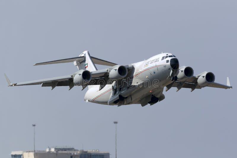 Luqa, 6-ое августа 2015: C-17A дальше принимают  стоковое изображение