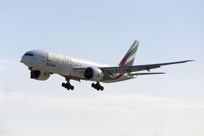 Luqa, Malta 14 de enero de 2016: Cargo 777 en finales imagenes de archivo