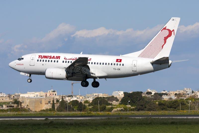 Luqa, Malta - 19 de fevereiro de 2009: Tunisian 737 foto de stock royalty free
