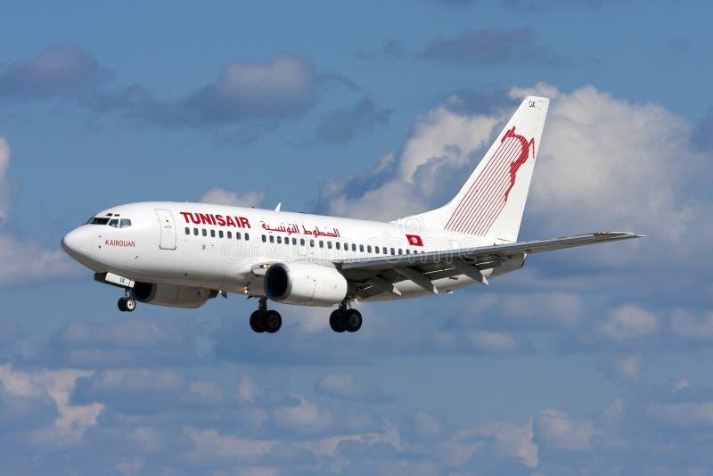 Luqa, Malta - 19 de fevereiro de 2009: Tunisian 737 fotografia de stock