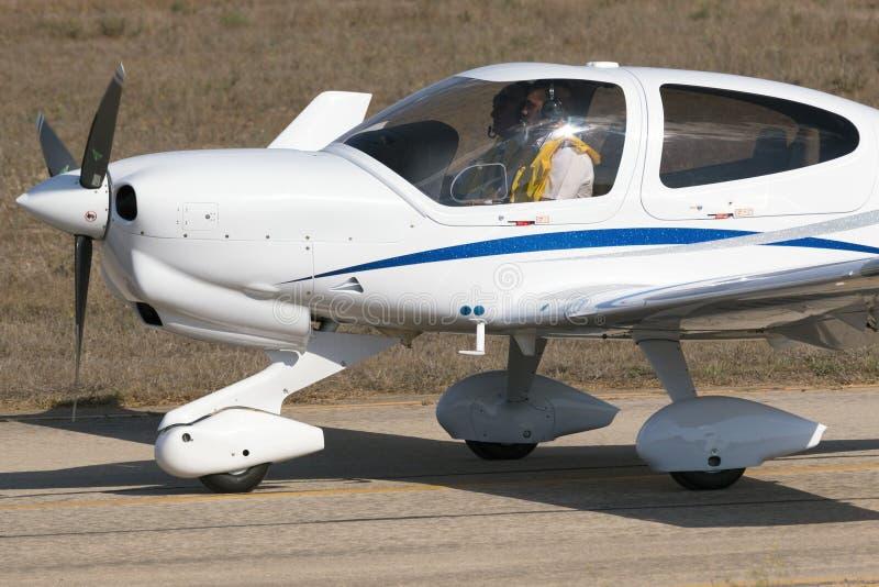 Luqa, Malta 29 de septiembre de 2014: Diamond Light Aircraft imagenes de archivo