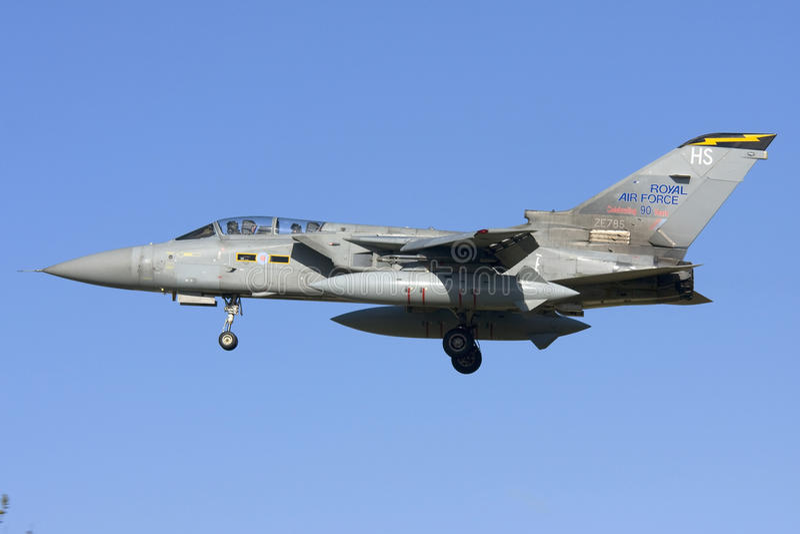 Luqa, Malta 7 2008 Listopad: RAF tornada lądowanie obrazy royalty free