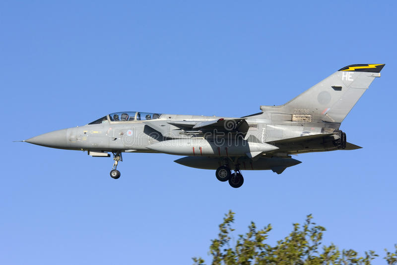 Luqa, Malta 7 November 2008: RAF Tornado-het landen royalty-vrije stock foto's