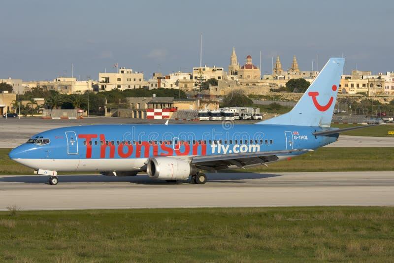 Luqa, Malta - 18. November 2007: Thomson 737 stockbild