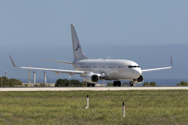 Luqa Malta - 8 Oktober 2015: Kines 737 BBJ royaltyfria bilder