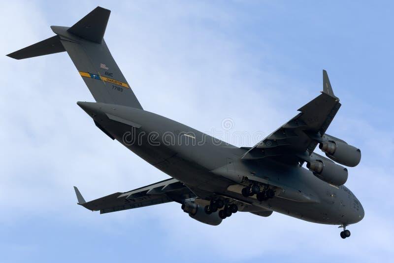 Luqa, Malta 24 ottobre 2015: Atterraggio C-17 fotografie stock libere da diritti
