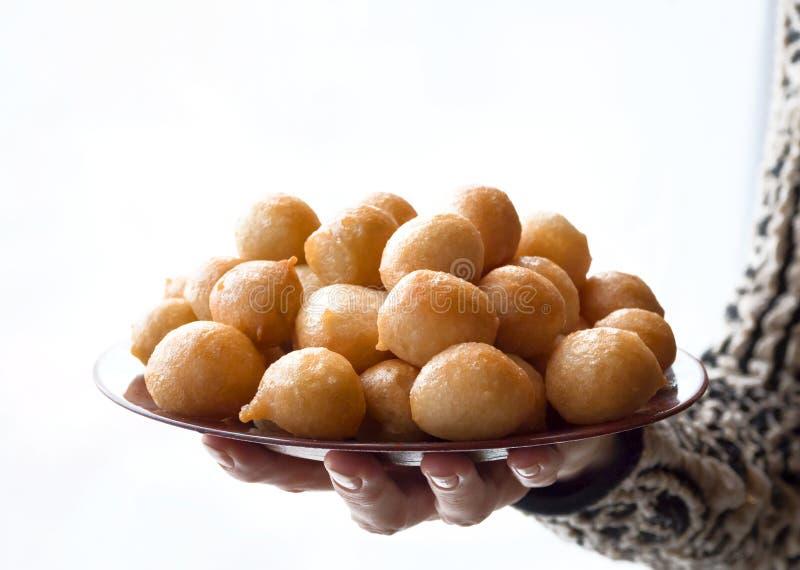 Luqaimat - bolas de masa hervida dulces tradicionales de los UAE imágenes de archivo libres de regalías