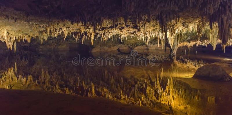 luray洞穴梦想的湖 库存照片