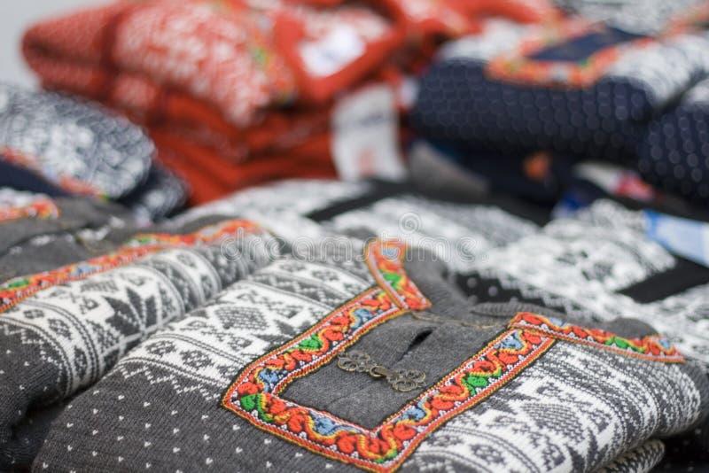 Lusekofte - eine traditionelle norwegische Strickjacke stockbilder