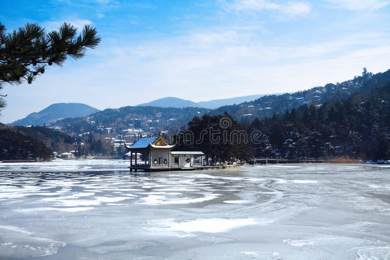 Lushan jezioro w zimie fotografia stock