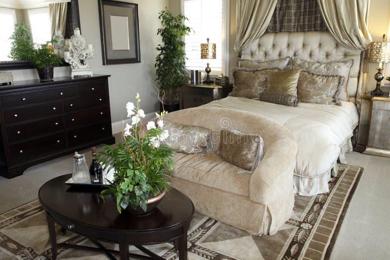 lusso domestico della camera da letto fotografia stock libera da diritti