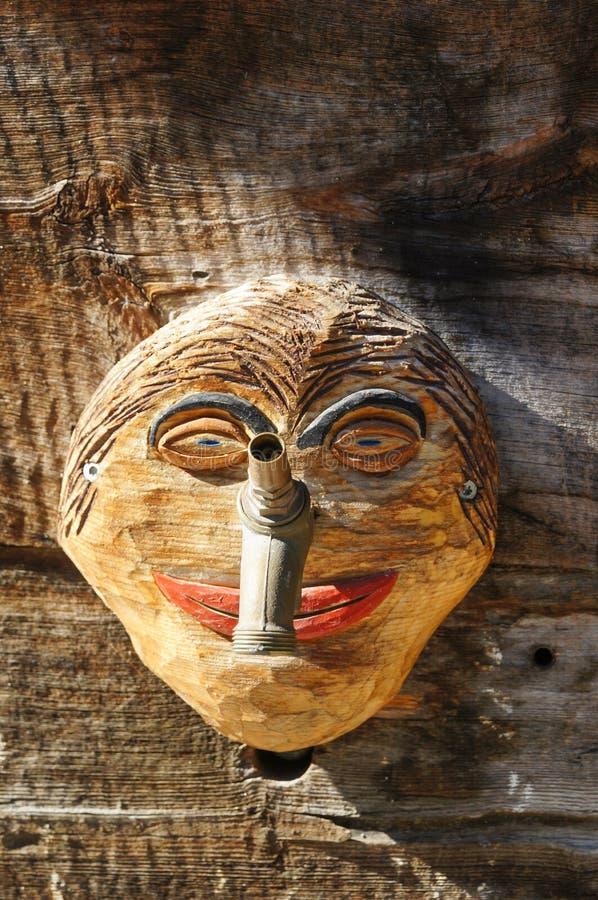 Download Lustige Hölzerne Maske Für Die Verzierung Des Hauses In  Zermatt Dorf Stockbild   Bild