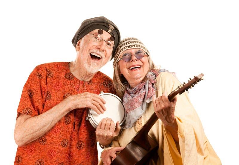 Lustige neue Alters-Paare lizenzfreies stockfoto