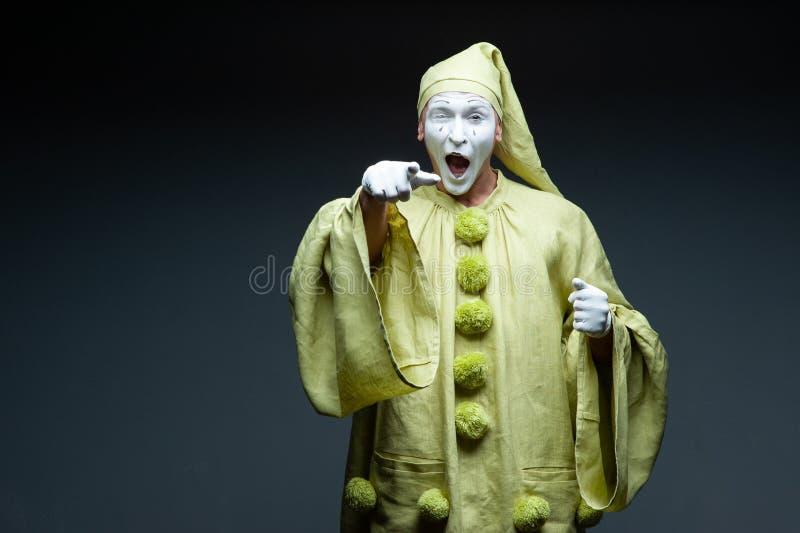 Lustige Pantomimeshow überraschte stockbilder