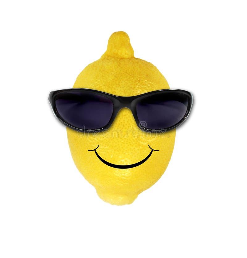 Lustige Zitrone in den Sonnenbrillen lizenzfreie stockbilder