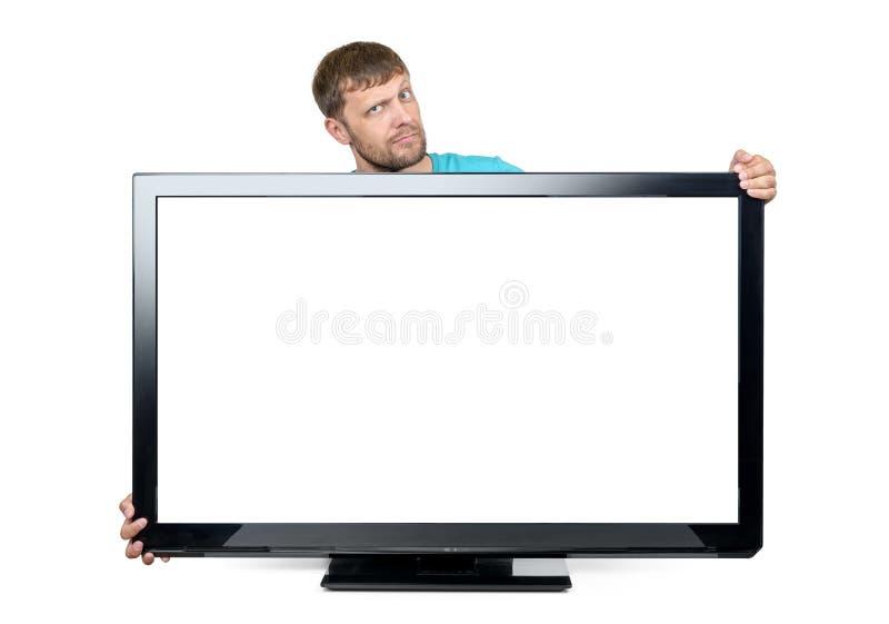 Lustiger bärtiger Mann wickelte seine Arme um den breiten Fernseher auf weißem Hintergrund ein Datei enthält einen Pfad zur Lokal lizenzfreie stockfotos