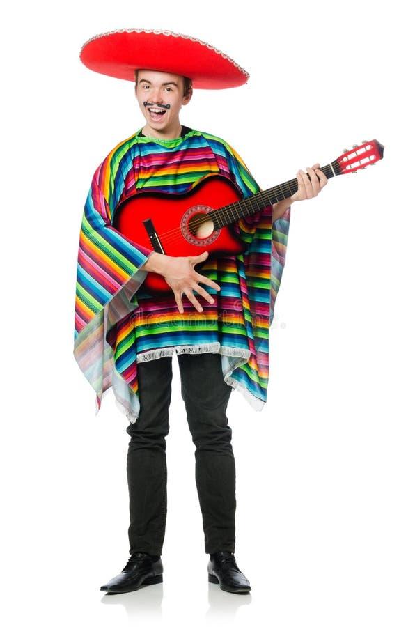 Lustiger junger Mexikaner mit der Gitarre lokalisiert auf Weiß stockbilder
