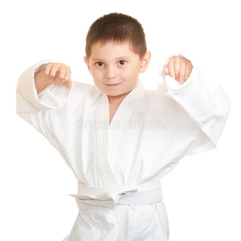 Lustiges Karatekind, das Hände anhebt lizenzfreie stockfotografie