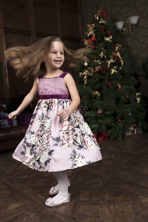 Lustiges kleines Mädchen stockfotos